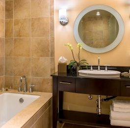Beverly Hilton Executive Suite bath