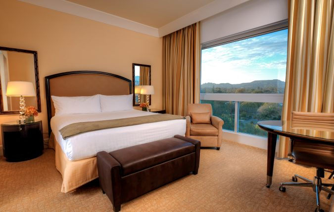Beverly Hilton Wilshire Tower Deluxe King Room with no balcony
