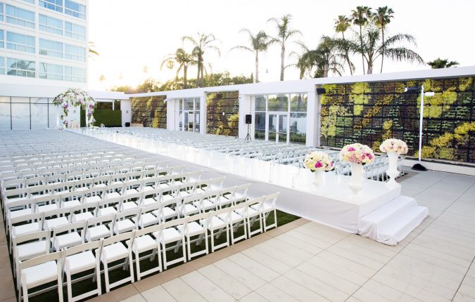 Wedding at the Beverly Hilton Gardens